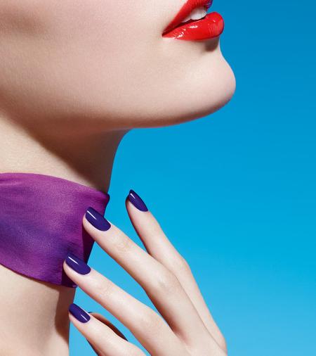 9 esmaltes preciosos y con precios rebajados para lucir manicura este verano