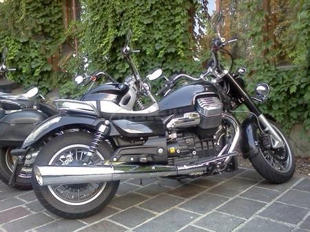 Moto Guzzi California 1400 pillada de pruebas en Italia