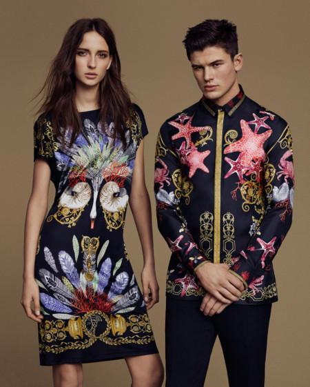 La moda de Versace se antoja perfecta para pasar las vacaciones en pareja