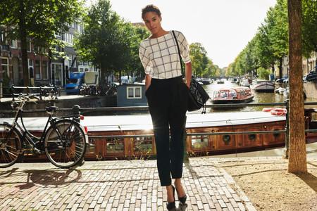 ¿Ropa de entretiempo para la oficina? H&M resuelve tus looks de working girl haciéndolos más primaverales