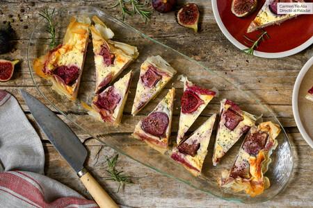 Tarta salada de higos y queso feta al romero