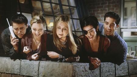 """""""¿Qué puedo decir? ¿Que desearía que Lisa Kudrow fuese negra?"""" Un productor de 'Friends' defiende el reparto aunque reconoce que hoy sería más diverso"""