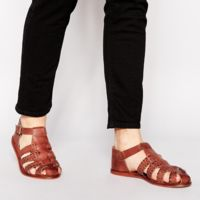 Sandalias de cuero trenzado
