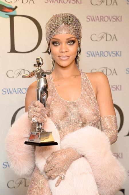 Si Rihanna se convierte en icono de la moda de la CFDA, la nota la tiene que dar