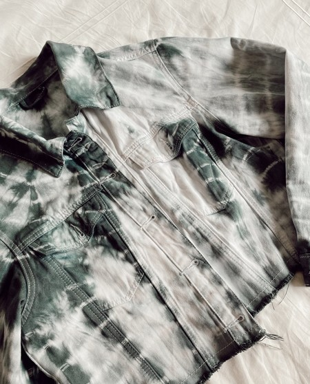 Chaqueta Tie Dye Mujer The Are 00002 960x1190 Crop Center