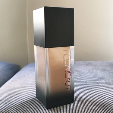 Probamos el maquillaje Faux Filter  de Huda Beauty, alta cobertura y luminosidad