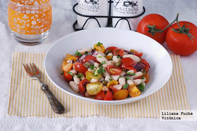 Ensalada de alubias blancas con tomates variados receta - Ensalada de alubias ...