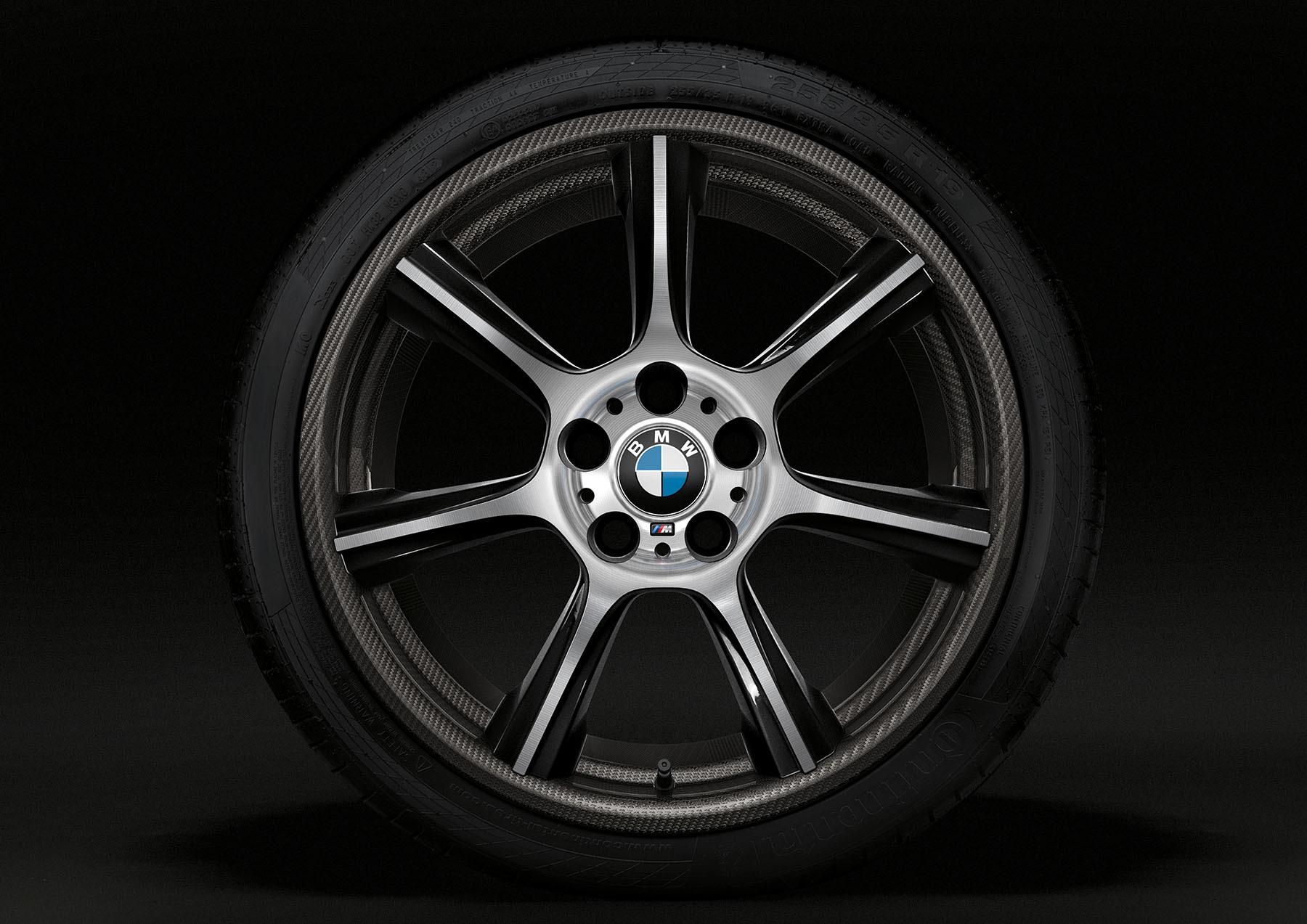 BMW M4 GTS rines de fibra de carbono