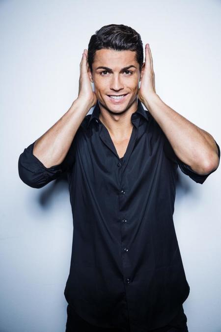 Cristiano Ronaldo expande su emporio en la moda con una nueva línea de camisas