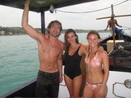 Vacaciones verano 2010: las celebrities se van a la playa, sus estilos más sexys en bikini. Penélope Cruz