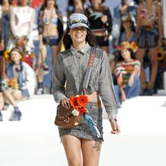 Foto 10 de 24 de la galería desigual-ha-sido-la-firma-encargada-de-inaugurar-la-primera-edicion-de-la-pasarela-mercedes-benz-fashion-week-ibiza en Trendencias