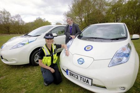 La policía inglesa encarga treinta Nissan LEAF