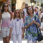 Ante la ola de calor, la reina Letizia apuesta por un look de lo más veraniego y fresquito