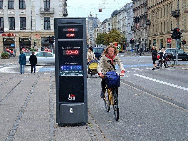 copenhagen-cycling.jpg