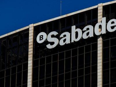 Bankia y Sabadell serán compatibles próximamente con Apple Pay en España