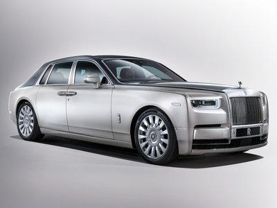 El Rolls-Royce Phantom VIII ha llegado: V12 biturbo de 571 caballos y una pequeña ración de lujo tecnológico