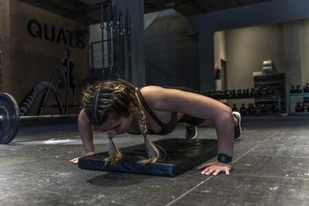 Todo lo que debes saber para realizar la flexión de brazos perfecta, sacar el máximo provecho y evitar lesiones