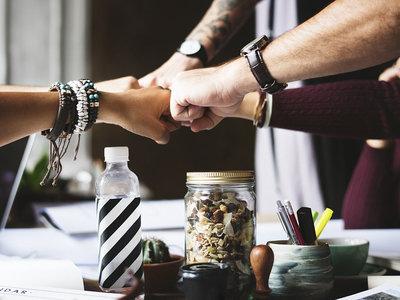 Las condiciones de trabajo que generan compromiso entre empresa y empleados