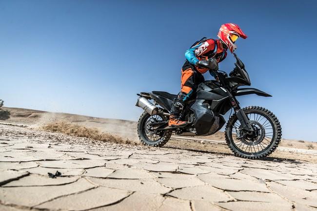 Así se luce la KTM 790 Adventure R antes de debutar en el próximo Salón de Milán