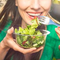 Este es el cóctel de alimentos que mejorará la salud y el aspecto de tu cabello