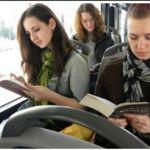 Si lees en el autobús, viajas gratis