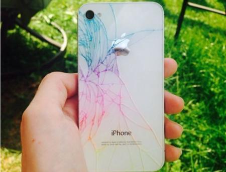 ¿Tienes tu iPhone 4/4S roto? Pues píntalo para convertirlo en único