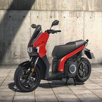 SEAT MÓ eScooter 125: la primera moto eléctrica de SEAT llega con una autonomía de 125 kilómetros y una llamativa estética