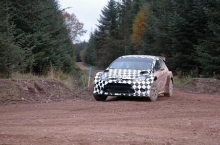 Tres nombres se barajan para el debut del Fiesta S2000 en competición