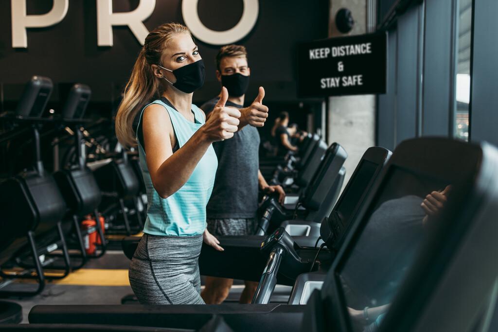 Mascarilla durante el ejercicio y rendimiento deportivo: esto es lo que dice la última evidencia científica sobre su relación