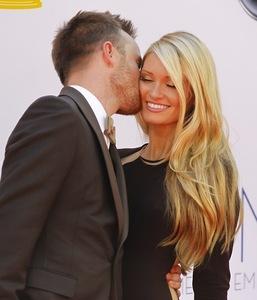 Premios Emmy 2012: una alfombra roja llena de parejas felices y enamoradas