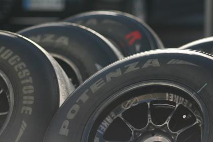 La FIA se olvidó de los neumáticos en los cambios para 2009