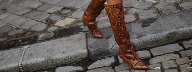 Este Otoño-Invierno 2019/2020 la tentación se viste con botas en estampado de serpiente