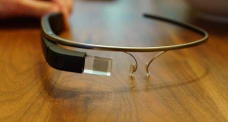 Buscan que los Google Glass también vengan incluidos con los anteojos graduados