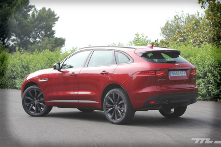Jaguar F-PACE lateral trasera