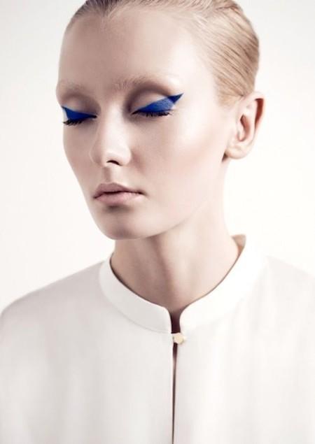 Eyeliner Azul Cobalto 5