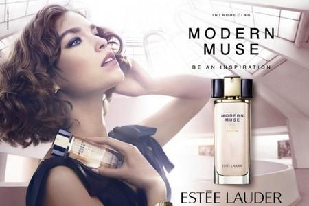 Arizona Muse es la musa de Estée Lauder en su nueva fragancia 'Modern muse'