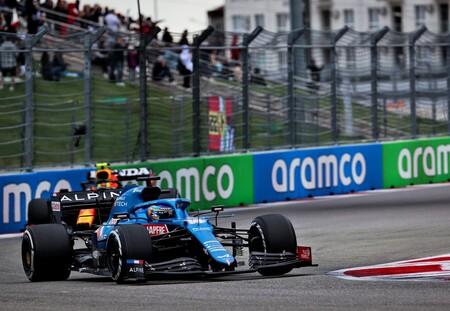 """Fernando Alonso rozó el podio en Rusia tras una salida polémica: """"Ha sido la mejor carrera del año"""""""