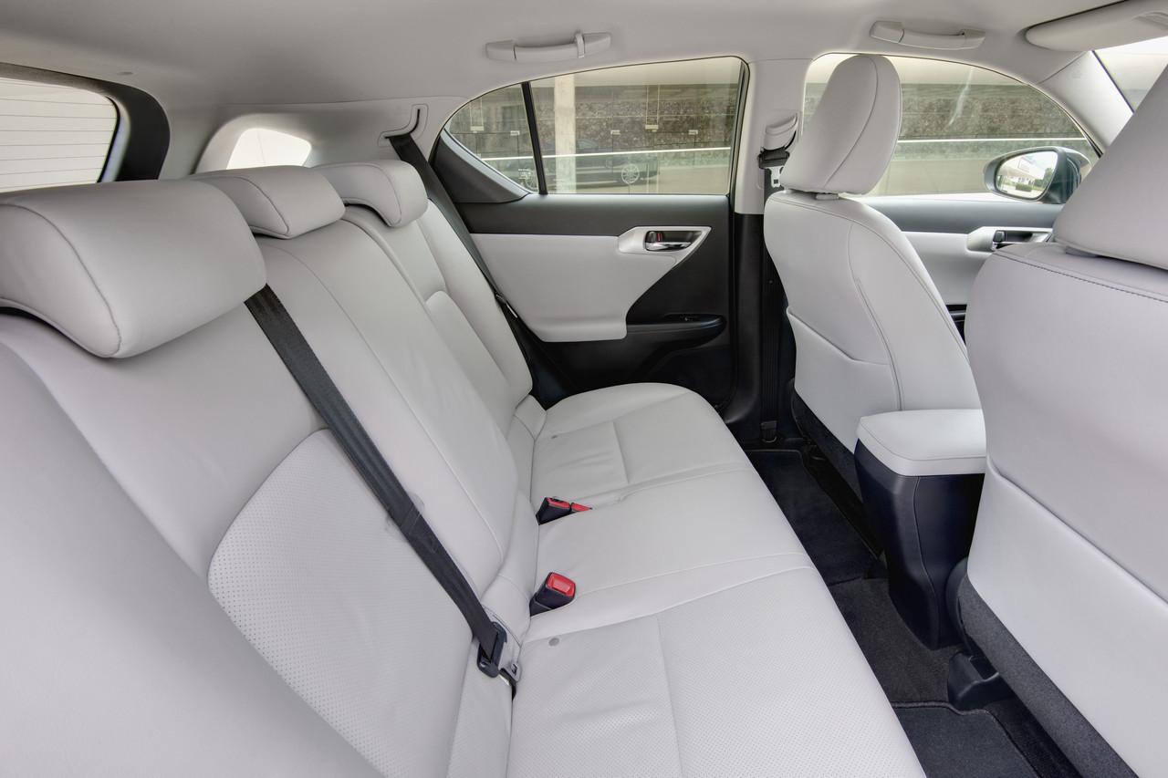 Foto de Lexus CT 200h (41/164)