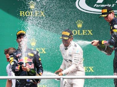 Lewis Hamilton se va de vacaciones con una victoria y buen puñado de puntos más