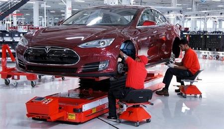 Tesla Model S en la cadena de montaje