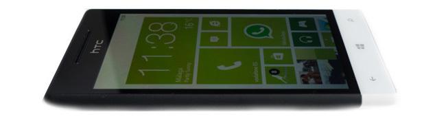 HTC 8S - de canto