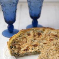 Tarta fácil de calabacín, beicon y cebolla. Receta