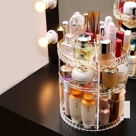 Siete organizadores con rotación ideales para baños pequeños y tener todo tu maquillaje en orden