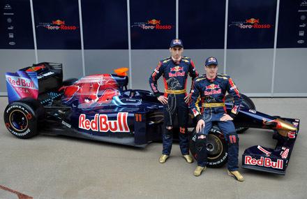 El nuevo Toro Rosso STR4 ya rueda en Montmeló