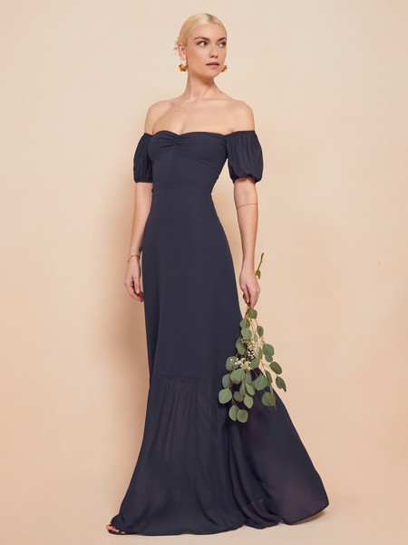 https://www.thereformation.com/products/farrow-dress?color=Queen&via=Z2lkOi8vcmVmb3JtYXRpb24td2VibGluYy9Xb3JrYXJlYTo6Q2F0YWxvZzo6Q2F0ZWdvcnkvNWE2YWRmZDJmOTJlYTExNmNmMDRlOWM3
