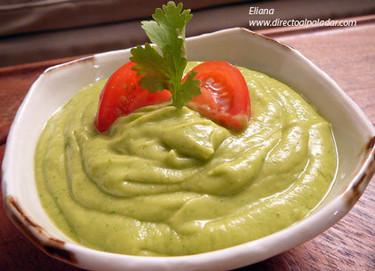 Dip de aguacate y cilantro