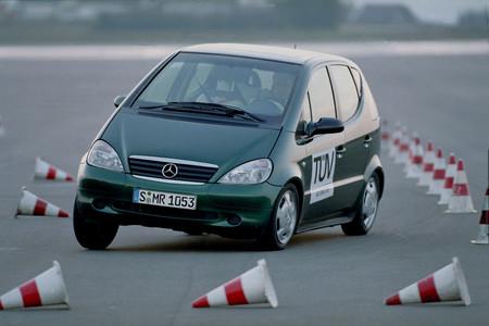 En 1997 un alce cambió al Clase A para siempre y lo hizo más seguro al cruzarse en su camino