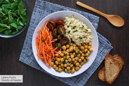 Ensalada de garbanzos tostados con mijo: receta vegana