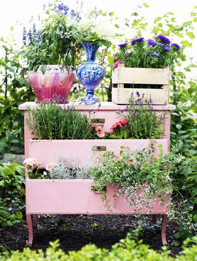 Recycled Furniture Fairytale Garden 3 700