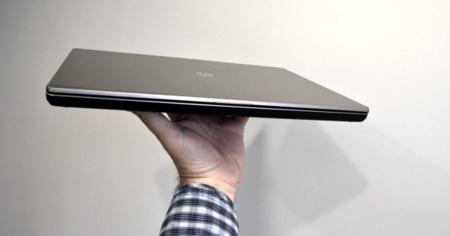 HP Folio en mano